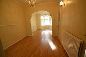 4 bedroom house in Long Lane, London, N2