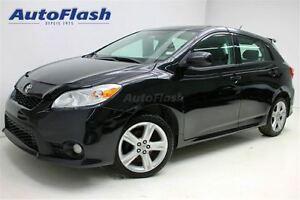 2011 Toyota Matrix 'S' Sport * m6 * Extra Clean!* Toit-ouvrant*