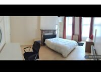 4 bedroom flat in Arlington Street, Glasgow, G3 (4 bed) (#1106054)