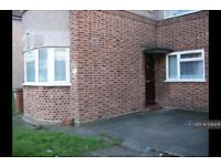 2 bedroom flat in Benhill Wood Road, Sutton, SM1 (2 bed)