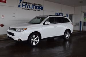 2014 Mitsubishi Outlander GT | Sunroof | Leather Upholstery