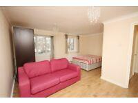 A spacious, newly refurbished studio flat in Beechwood Grove, East Acton, W3!!