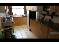 4 bedroom house in Granville Road, Sheffield, S2 (4 bed)