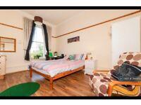 8 bedroom flat in Sauchiehall Street, Glasgow, G3 (8 bed) (#794503)