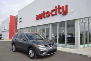 2015 Nissan Rogue SV | Low KM's | Power Options | Family Friendl