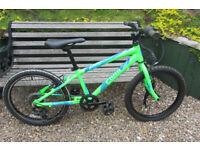 Bikes Cuda Mayhem ( excellent condition )