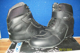 AXO ANKLE BOOTS NEW