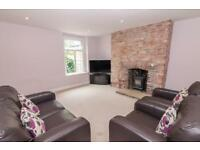 2 Bed Serviced Apartment - £450 per week - Parking Included