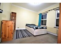 GREAT DOUBLE ROOM FOR ONE PERSON -WOOD GREEN - AMAZING CONNECTION - ZONE 2 - CALL ME NOW
