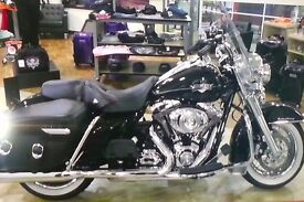 HARLEY DAVIDSON ROAD KING CLASSIC (FLHRC) FOR SALE – Low Mileage and in Excellent Condition