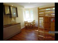 Studio flat in Old Christchurch Road, Bournemouth, BH1
