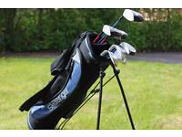 Slazenger Juniors Golf Set including carry bag and 7 Starter Clubs