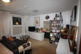 Studio flat in Bethnal Green Road, Bethnal Green, E2