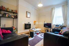 2 bedroom flat in Sandringham Road, Gosforth, Newcastle Upon Tyne