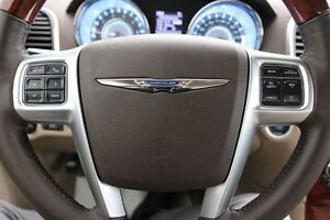 2011 Chrysler 300 Limited *RARE COLOUR COMBINATION* London Ontario image 17