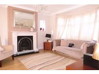 AVAILABLE NICE 3 AND 2 BAHTS BEDS PROPERTY IN RAYNES PARK!!SW20