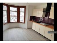2 bedroom flat in Ilford, Ilford, IG1 (2 bed)