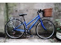 APOLLO CX10, ladies women's hybrid road bike with basket, 15 inch, 21 speed, aluminium frame