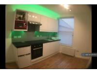 Studio flat in Bayview Terrace, Newquay, TR7