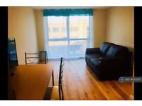 1 bedroom flat in Station Road, London , UB7 (1 bed)