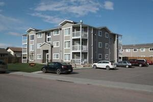 Top Floor Apartment Condo, SK Side, Available October 1!