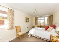 2 bedroom flat in Woodstock Close, Oxford,