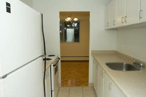 1 Bedroom - Minutes to downtown (Thompson Rd & Pond Mills Rd)