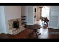 3 bedroom house in Great North Way, London, NW4 (3 bed)