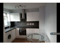 3 bedroom flat in Wittering House, London, SW11 (3 bed) (#984586)