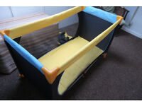Hauck dream n play travel cot with little use
