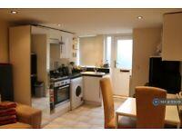 1 bedroom flat in Woodside Place, Leeds, LS4 (1 bed) (#1101029)
