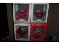 4 valentine me to you bears - Rare