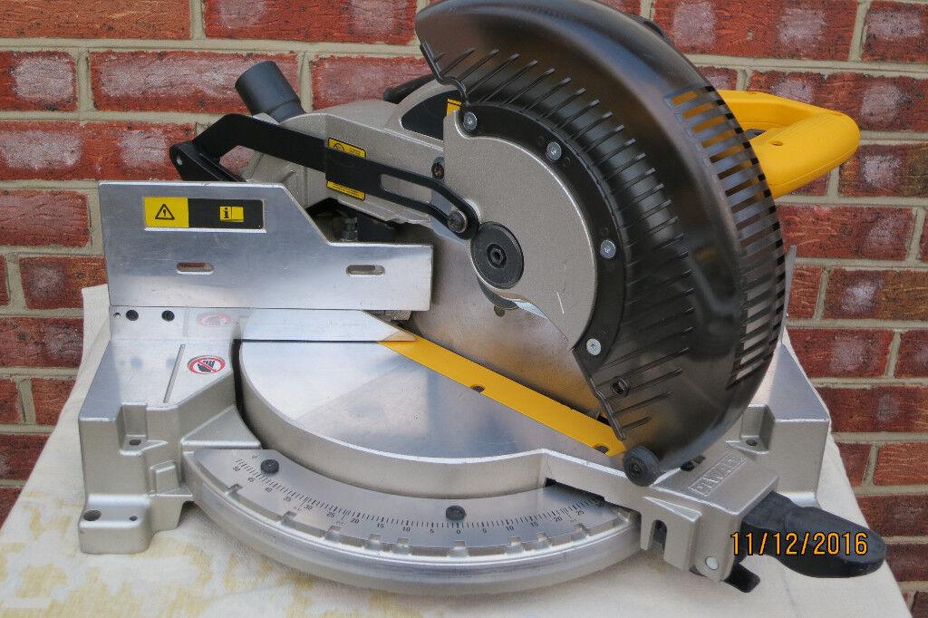 Dewalt DW713XPS - 250mm(10inch) Compound Mitre Saw