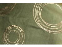 *BRAND NEW* 4M Green Fabric with Gold Swirl Circles *VERY MODERN* RRP £72