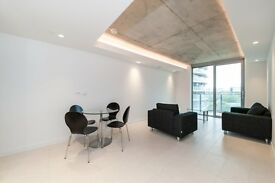 LUXURY VACANT! BRAND NEW 1 BEDROOM APARTMENT ROYAL DOCKS E16 DESIGNER FURNISHED WITH GYM & CONCIERGE