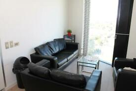 2 bedroom flat in The Strata, Walworth Road, Elephant & Castle SE1