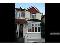 2 bedroom flat in St Johns Road, Isleworth, TW7 (2 bed)