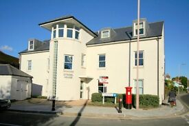 Sunny 1 bed flat available up in the eaves of Chichester