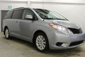 2014 Toyota Sienna LE 7 Passenger | AWD | Power Doors | Bluetoot