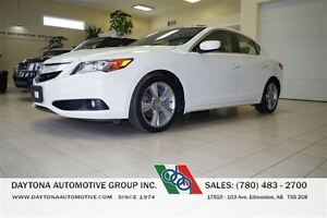 2013 Acura ILX PREMIUM ONLY 49, 000KMS!