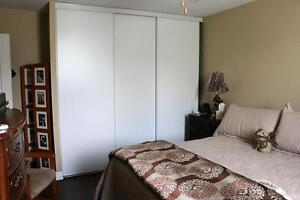 Welland 2 Bedroom Apartment for Rent: Laundry, elevator, parking