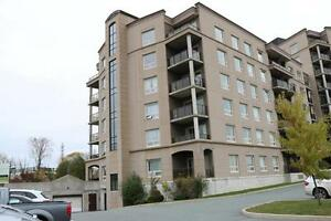 VINCENT COLEMAN - CLOSE TO HALIFAX SHOPPING CENTER- Beautiful...