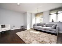 3 bedroom flat in Glebelands Close, North Finchley, N12