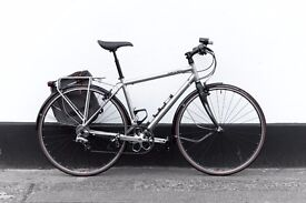 Hybrid Road bicycle SPECIALIZED ELITE CARBON (CONDITION LIKE NEW) MEDIUM SIZE lights and bag pump