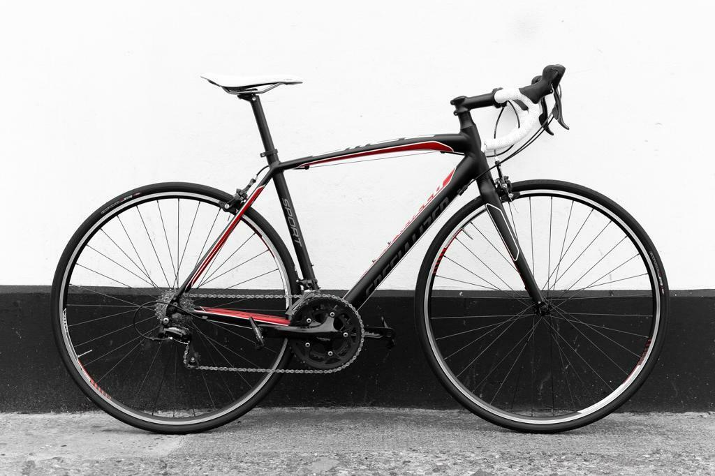 Specialized allez sport road bike 54 cm full service | in Docklands ...