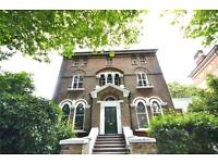2 bedroom flat in Highbury New Park, Highbury & Islington, N5