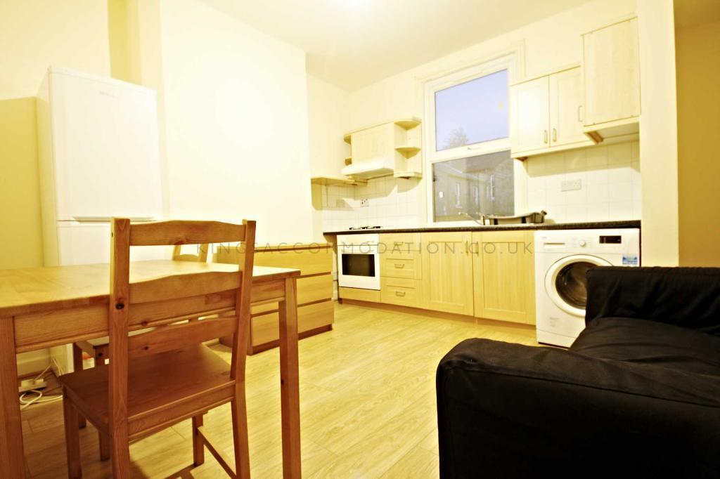 1 bedroom flat in Cobourg Rd, Elephant And Castle