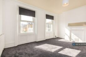 3 bedroom flat in Coldharbour Lane, London, SE5 (3 bed) (#1057019)