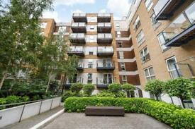 3 bedroom flat in Napier House, London, W3