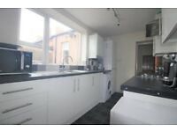 Spacious 3 bedroom flat in Upton Park part dss with guarantor accepted